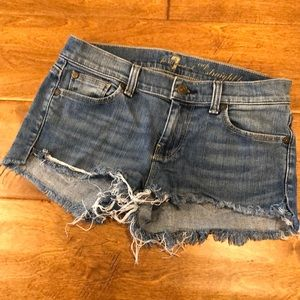 LIKE NEW 7 for all Mankind Shorts